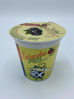 Selčiansky smotanový jogurt - čierna ríbezľa 150g